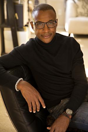 Tommydavidson blacksweater1