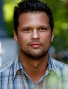 Julian mccullough se